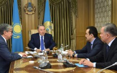 Сonsultations with Chairman of the Senate of Parliament Kassym-Zhomart Tokayev and Prime Minister Karim Massimov