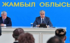 The Head of State meets with residents of Karakemer village